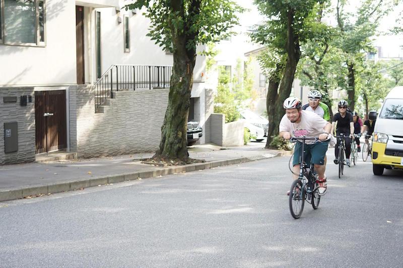 自転車で坂を登って…… ©︎imao