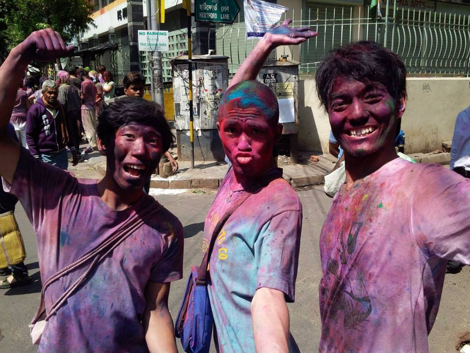 3年前。インドのホーリー祭にて。