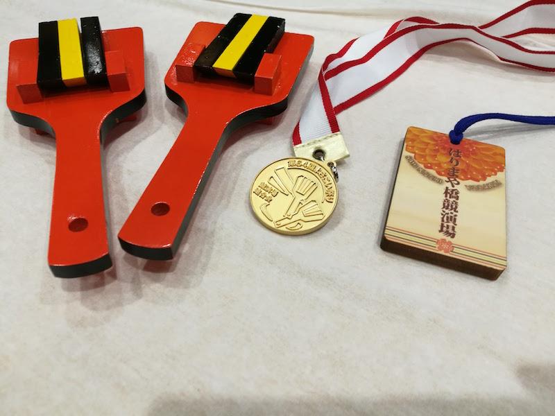 おなじみの金属のメダルや、木製のものなど、会場ごとのオリジナルメダルもあります!